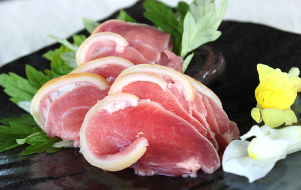 sliced raw goat meat やいまハーブ山羊のやぎ刺し