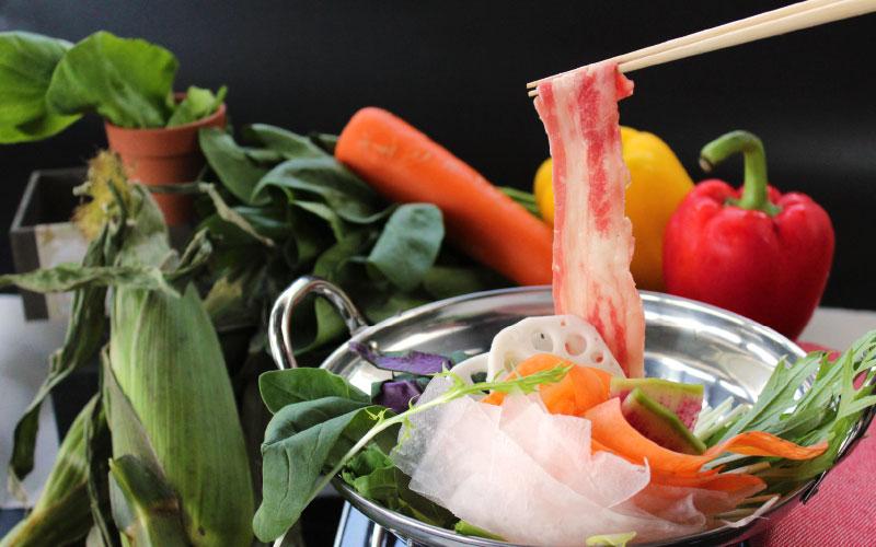 「ベジブロスで、野菜の良さ全てを。」 農園野菜のしゃぶしゃぶ